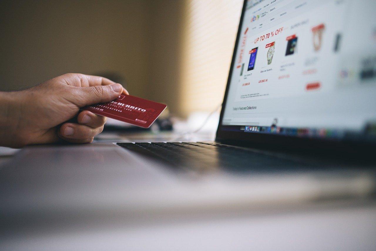 Публічна оферта для прийому платежів через сайт клініки, готелю, хостелу, магазину, маркетплейсу або через програмний застосунок. Типові оферти для Інтернет-сайтів, мобільних додатків та інших програмних продуктів.