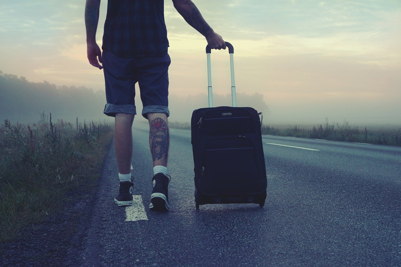 Гайд про права туристів. Порушення прав туриста, неповне і несвоєчасне виконання обов'язків туроператора, а також неякісний сервіс - підстави для оскарження дій та бездіяльності туроператора (турагентства).